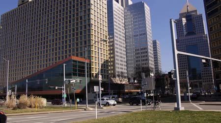 PITTSBURGH - Circa February 2017 -  Traffic in downtown pittsburgh on Sunny Day Stok Video
