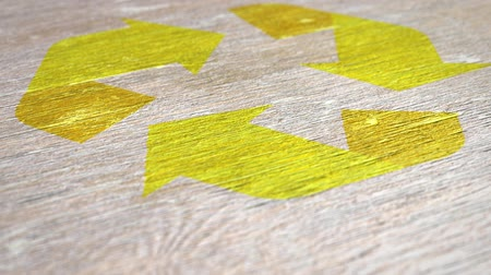 aşınmış : Yellow Recycle Sign Animation On Wood. Ideal for Your Recycling  Ecology Projects. High Quality Seamless Animation. 1080p, 60fps