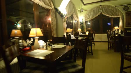 aydınlatma : Bar interior in the night