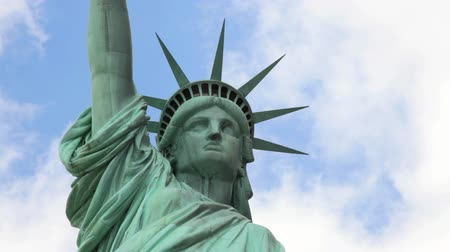 heykel : Close up of the Statue of Liberty