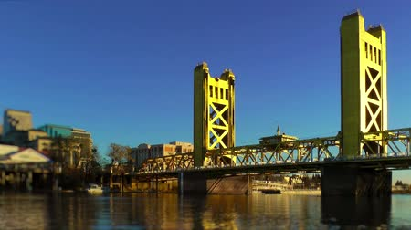 tower bridge : Tower Bridge over Sacramento River
