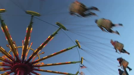 vásár : Carnival swing ride, Clark county fair, Washington
