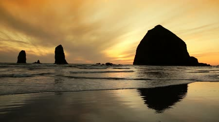 Silhouette Haystack Rock, Cannon Beach, Oregon Videos