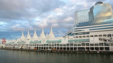 kanada : Canada Place waterfront, Vancouver, BC Stok Video