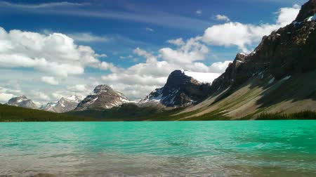 canadense : Bow Lake in the Canadian Rockies, Banff National Park