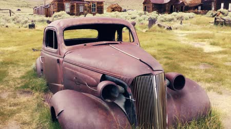 stare miasto : 1937 car rusted out in Bodie State Historic Park Wideo