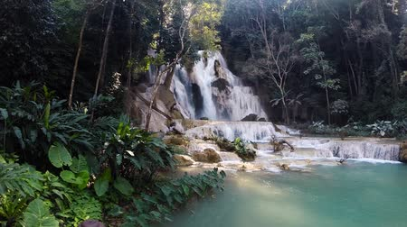 Лаос : Scene from Luang Prabang Laos South East Asia Slow Motion Kuang Si Falls Стоковые видеозаписи