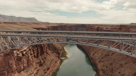 belangen : Marble Canyon, United States - April 19, 2019: Drone shot flying over the navajo bridge at marble canyon near page arizona