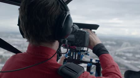 letectví : Videographer on an aerial shoot