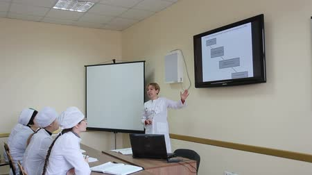profesor : The interns of medical university in studying process. Wideo