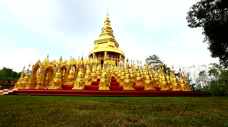 статуя : Dolly: Pagoda in Wat-Sawangboon at Saraburi, Thailand, HD 1080P