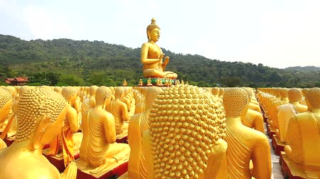 статуя : Dolly: Golden Buddha at Buddha Memorial park , Nakornnayok, Thailand, HD 1080P