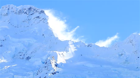 montar : HD: Time lapse, Close up of the summit mt cook in new zealand, 1920x1080 Stock Footage