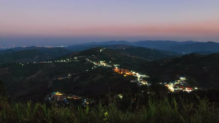 столовая гора : HD: Time lapse, Countryside in the mountain at sunset, from day to night as the sunsets at Doi Measalong, Chiangrai, Thailand, Holy grail timelapse shot, 1920x1080