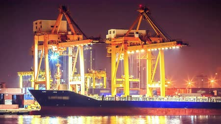 shipping : 4K: Timelapse Cargo ship loading goods at shipping port, High quality, Ultra HD, 4096x2304