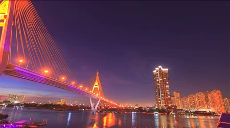 tajlandia : 4K: Day to Night time lapse, Bhumibhol bridge lanmark of Bangkok, Thailand, High quality, Ultra HD, 3840x2160 Wideo