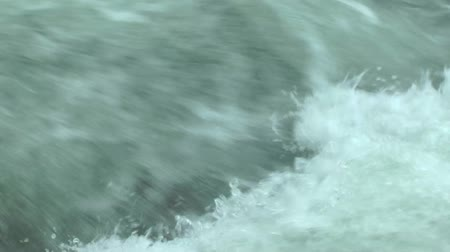 zuhatag : Big Turbulent water flowing closeup