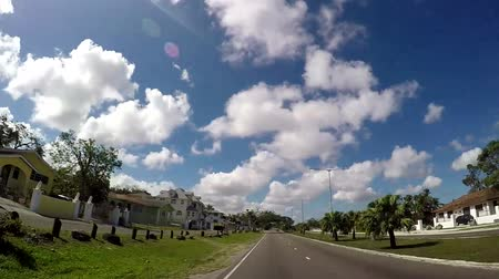 sąsiadka : POV of Famous Bay Street neighborhood in Downtown Nassau of The Bahamas Wideo