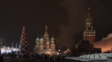 moskwa : Kremlin and temple on Red square in Moscow Wideo