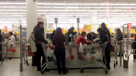 супермаркет : People in the supermarket. Fast motion time-lapse