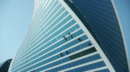 skyscraper : Window washers working on skyscraper