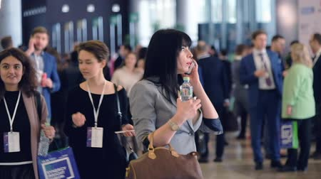obchody : Moscow, Russia - April 24, 2017: People attend Synergy Global Forum at Crocus Expo Hall. This is one of the largest business forums with more than 5000 participants