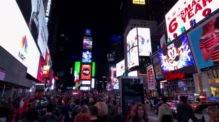 tijden : New York, USA - September 6, 2018: Time Square night time cityscape Stockvideo