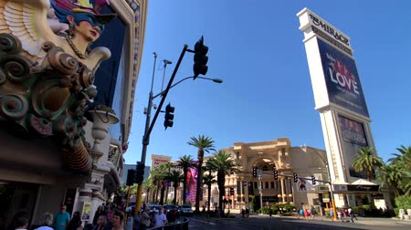 las vegas boulevard : Las Vegas, USA - September 10, 2018: Tourists visiting the sights at sunny day time