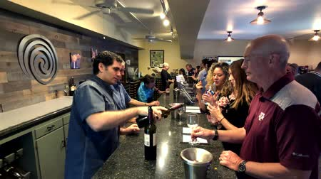 pince : Napa, USA - September 10, 2018: People tasting wine in winery