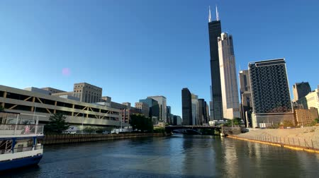 небоскреб : Chicago, USA - September 10, 2018: Downtown landmarks at sunny day time