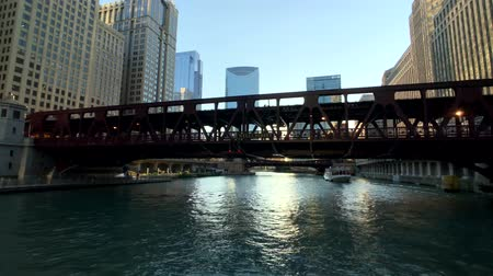avenida : Chicago, USA - September 10, 2018: Downtown landmarks at sunny day time