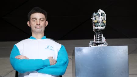 yönetim kurulu : Skolkovo, Russia - April 16, 2019: Demonstration of a new humanoid robot - speaking clone of the chairman of the board of directors of the company Promobot