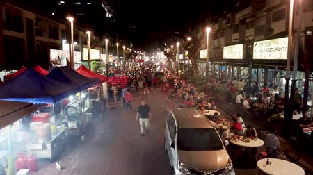 bintang : Aerial view in Malaysia, Kuala Lumpur of Jalan Alor with people, restaurants and street markets at night