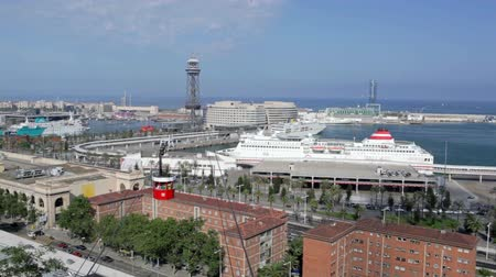 Каталония : Barcelona landscape with ships