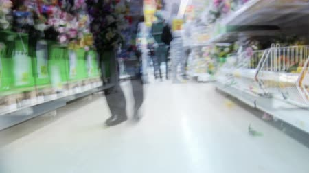 покупка товаров : Shopping time lapse. View from the trolley.