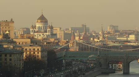 moskwa : Beautiful cityscape of Moscow with bridge, Cathedral of Christ the Saviour and the Kremlin to be seen