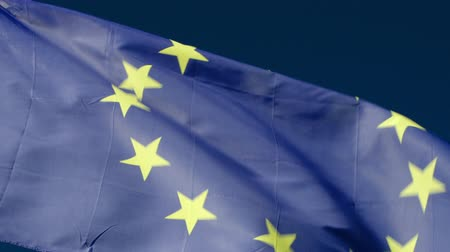 europeu : Close-up shot of European Union flag fluttering in the wind