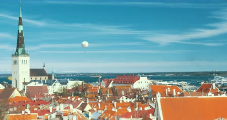 Észtország : Aerial view of the architecture on the old Tallinn, Estonia