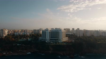 yoğunluk : Aerial shot of coastal city apartments within the country of Turkey, Antalya