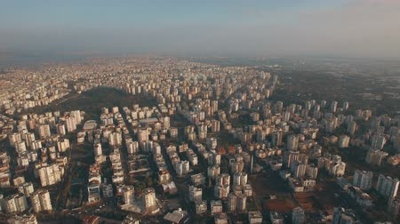 yoğunluk : Aerial shot of a coastal city within the country of Turkey Stok Video