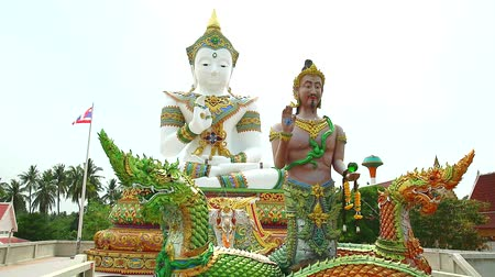 istenség : Srisuttho god of Naga and buddha background at Khao Mai Kaew Temple1