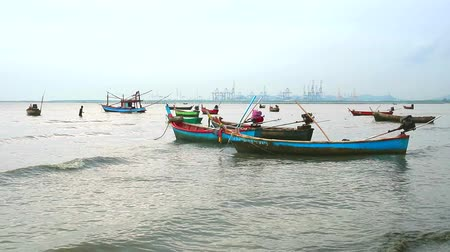 heaven : Fishing boats abstain from catching fish at sea cause storm and low tide