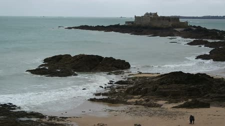 st malo : view of City wall and beach of Saint-Malo, walled port city in Brittany in northwestern France on English Channel