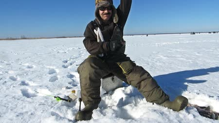 isca : winter sports winter fishing