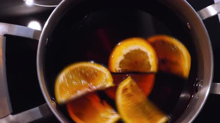 mulled wine : preparation of mulled wine