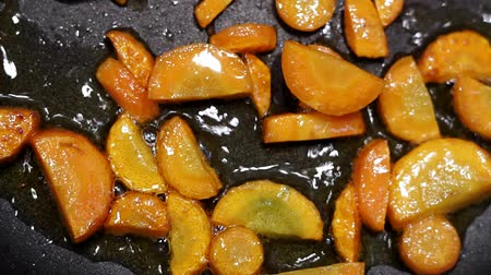 гарнир : roasted carrots closeup on oil