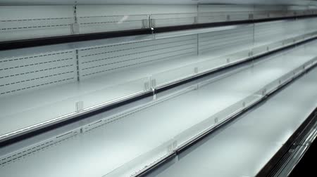 scaffale supermercato : empty store shelves sale of goods