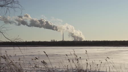 rurociąg : environmental pollution. smoke from factory chimneys. in winter, the plant CHP plant electricity steam Wideo