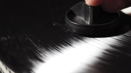 избирательный подход : Old school record player. removes dust from the vinyl record. close-up selective focus
