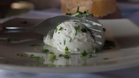 rántott : Cream of cream cheese with greens